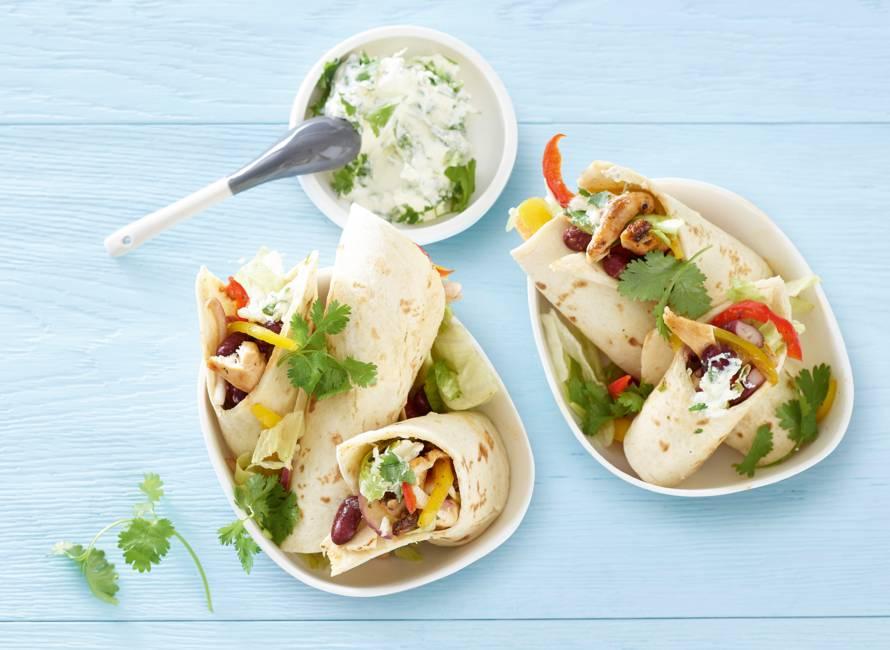 Mexicaanse wraps met kip, kidneybonen en paprika