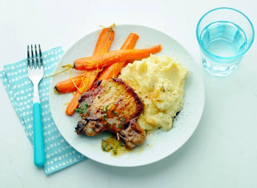 Karbonade met worteltjes en aardappelpuree