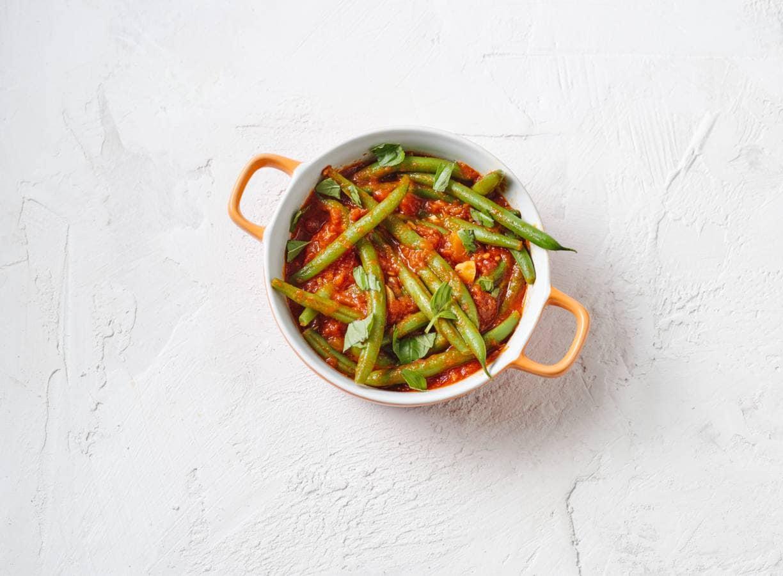 Sperziebonen in knoflook-tomatensaus