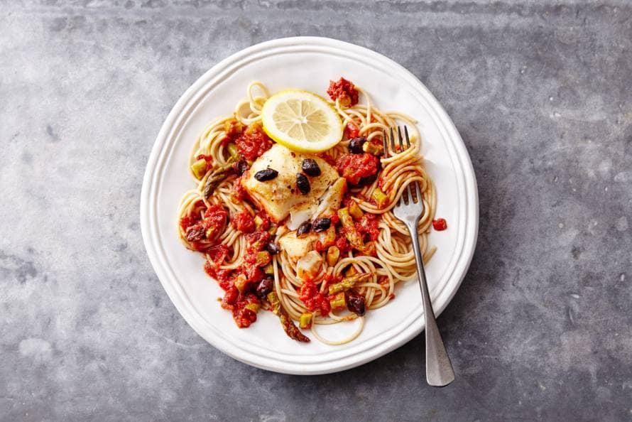 vis met pasta in de oven