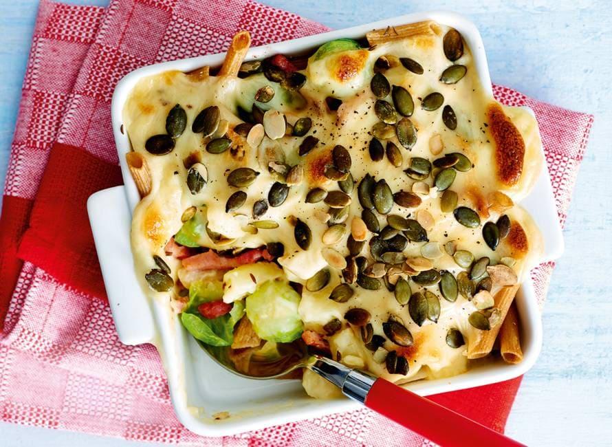 Ovenschotel met herfstgroenten en romige kaassaus