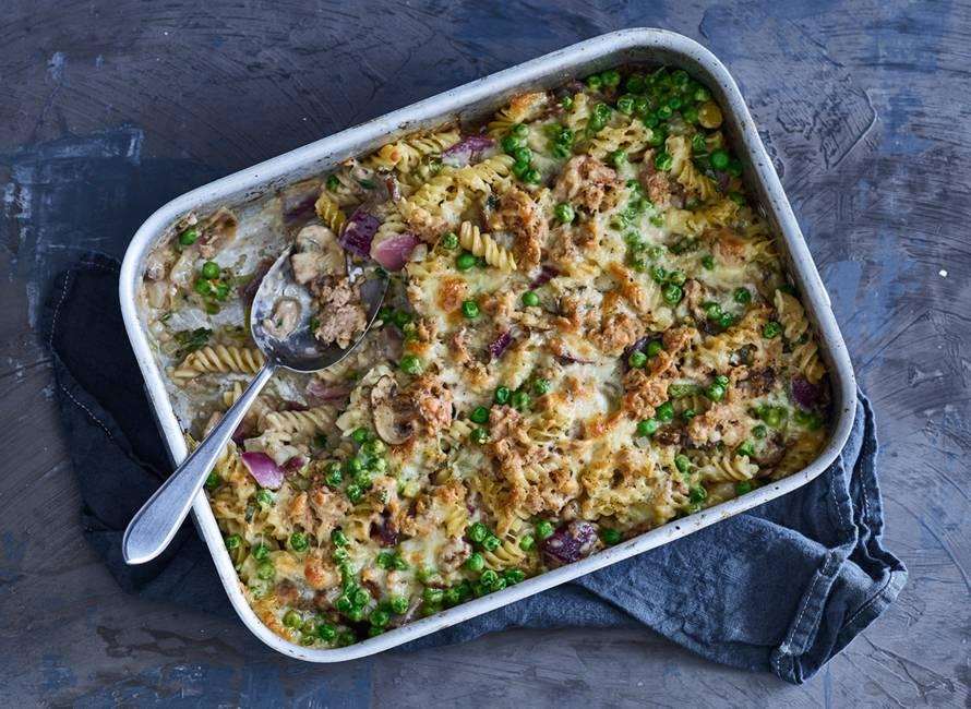 Smeuïge pastaschotel met tonijn