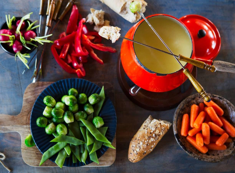 Hollandse kaasfondue met groente en brood
