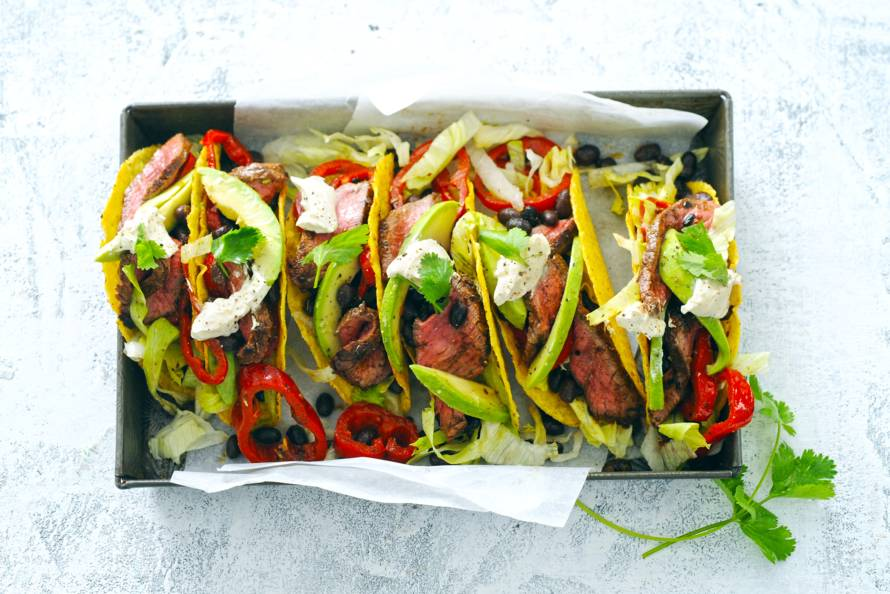 Taco's met pittige biefreepjes en bonen