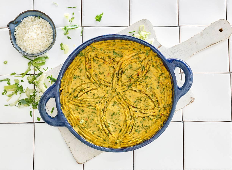 Bloemkoolrijst en vegagehakt onder een zoet pureedakje