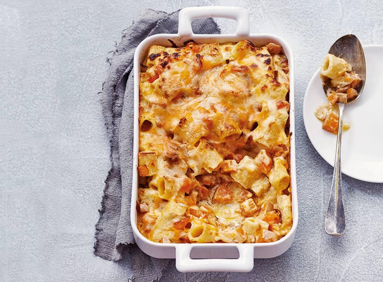 Vegapasta met pompoen, cheddar en geraspte kaas