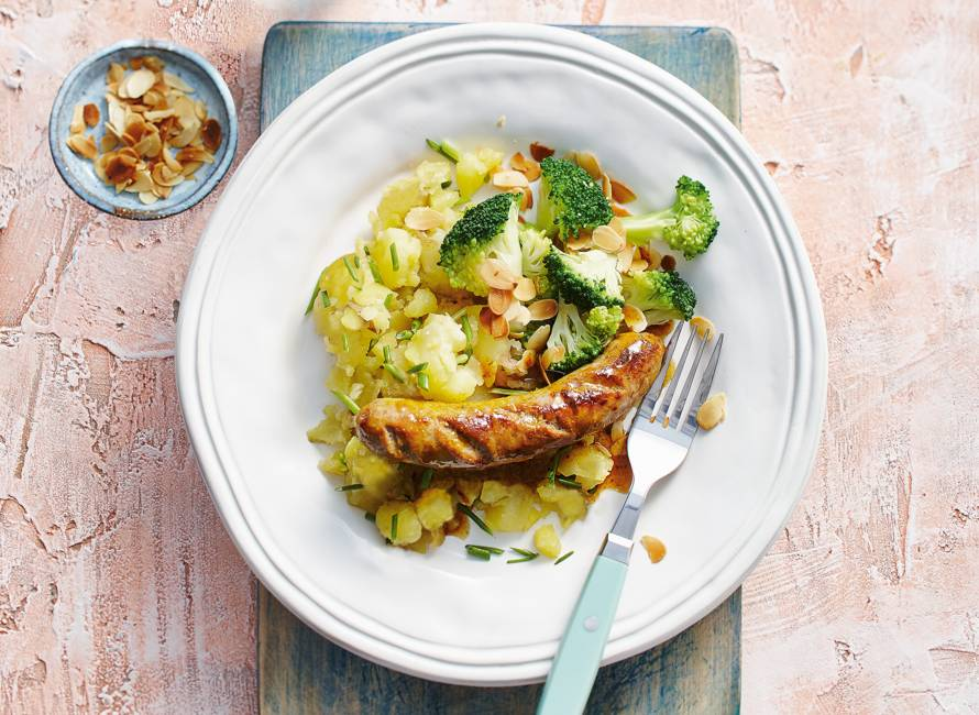 Kerriesaucijs met broccoli en geroosterd amandelschaafsel