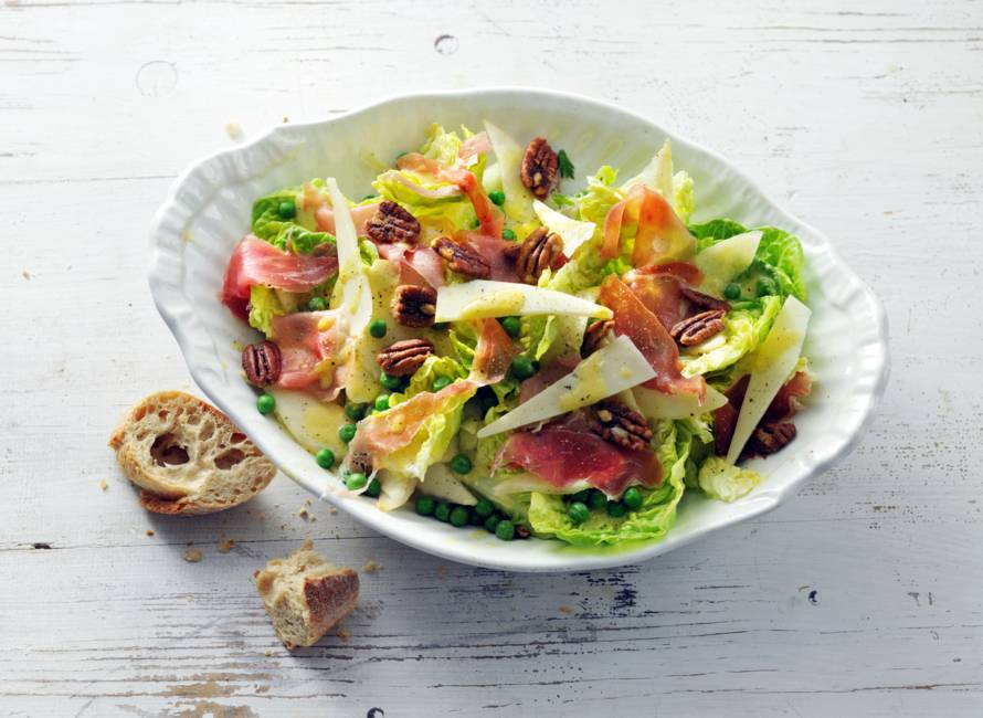 Salade met peer, serranoham en manchego