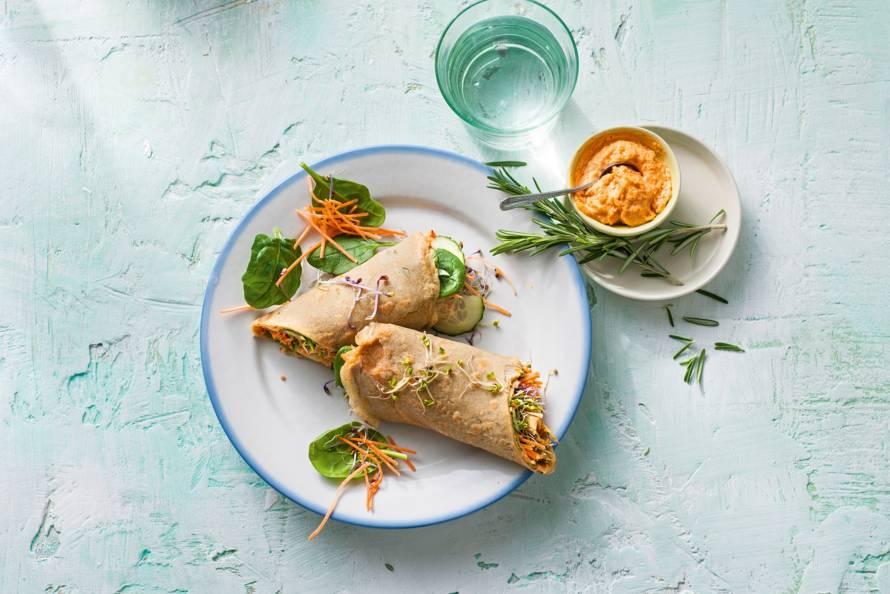 Vegetarische boekweitwraps met hummus