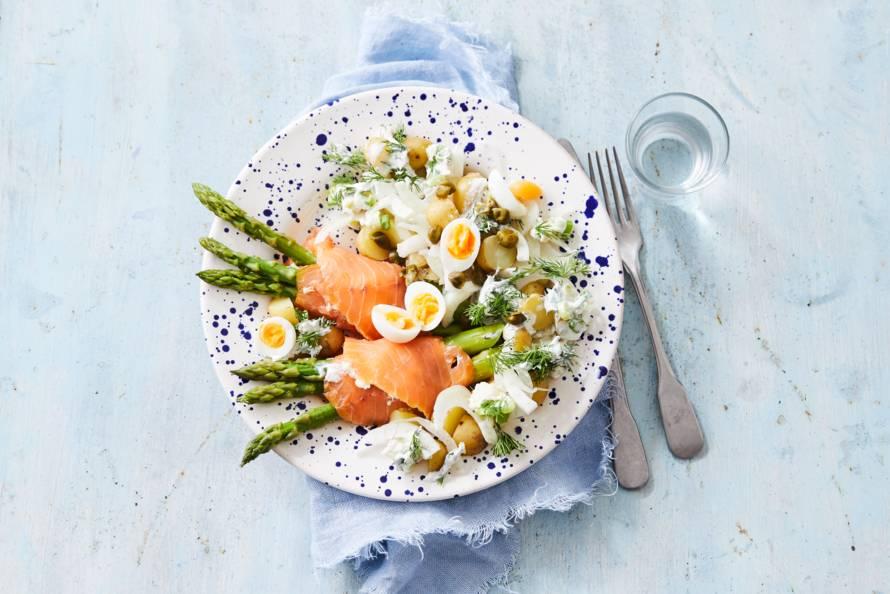 Zalmrolletjes met een salade van krieltjes en venkel
