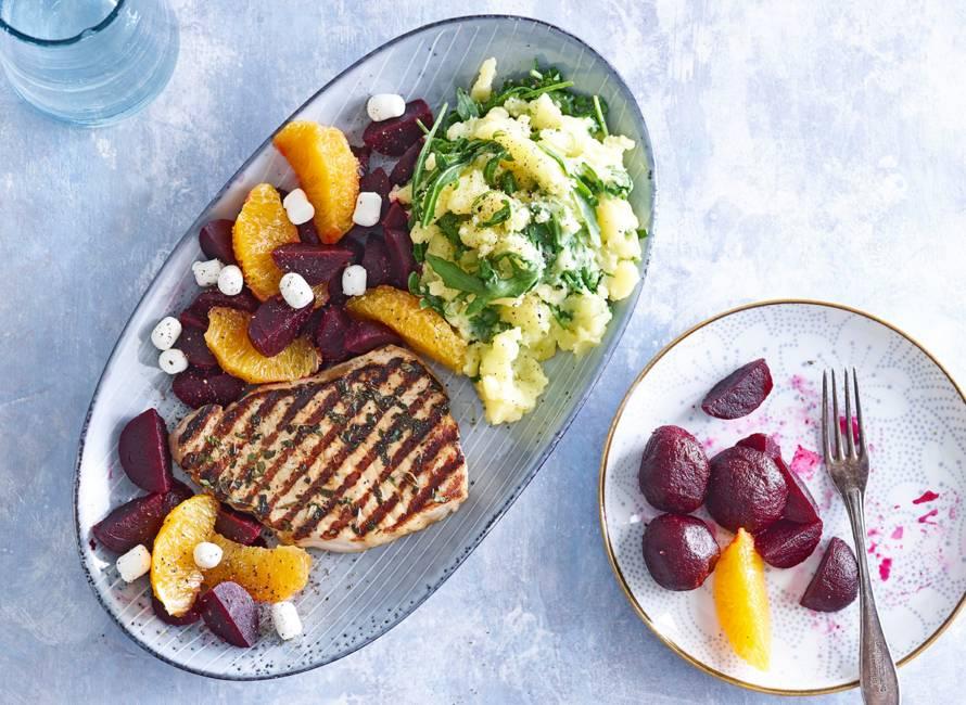 Gekruide filetlapjes met rucolapuree, bietjes en sinaasappel