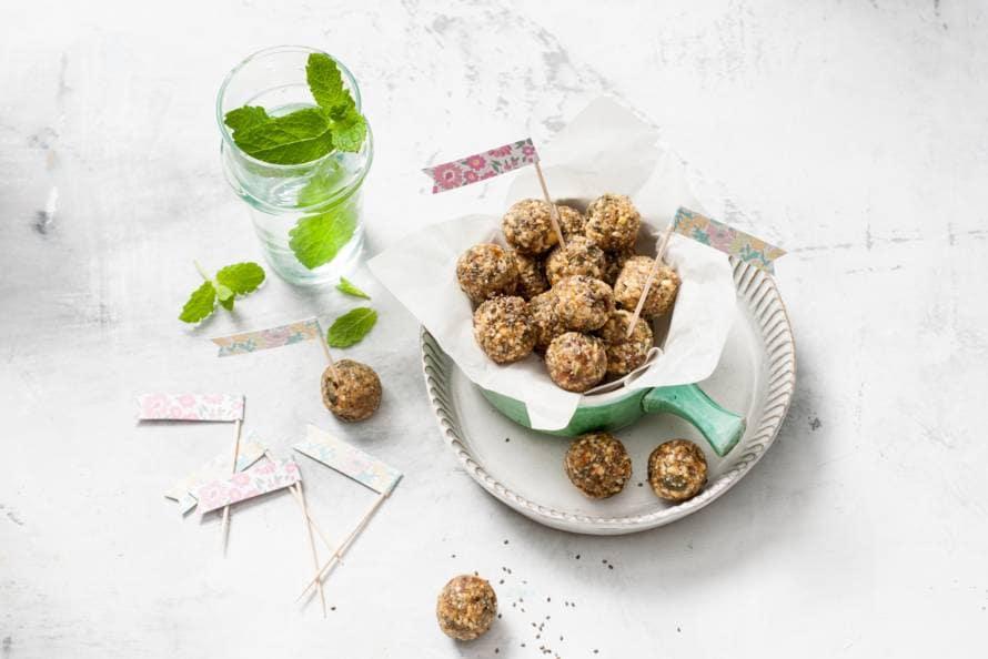 Energyballs met limoen en gember van Ella Mills