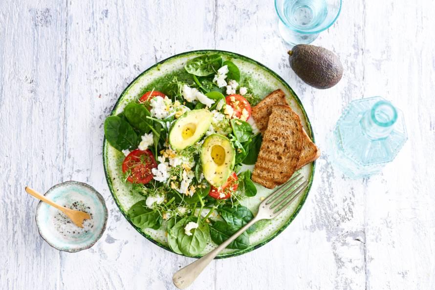 Spinazie Ei En Avocado Met Geroosterd Brood Recept Allerhande