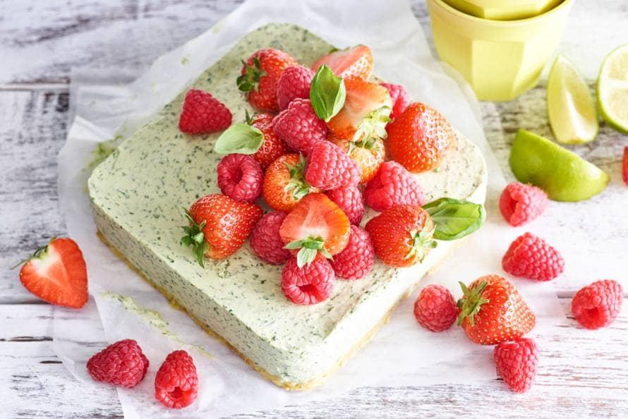 No bake cheesecake met rood fruit
