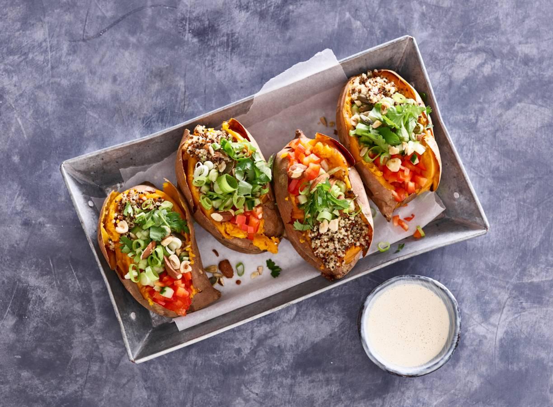 Gevulde zoete aardappel met quinoa van Fooddeco