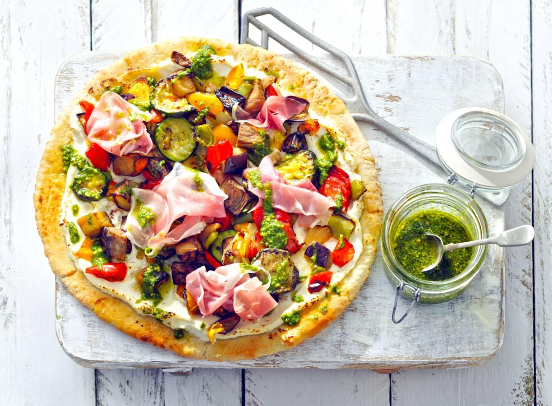 Pizza bianca met gegrilde groenten