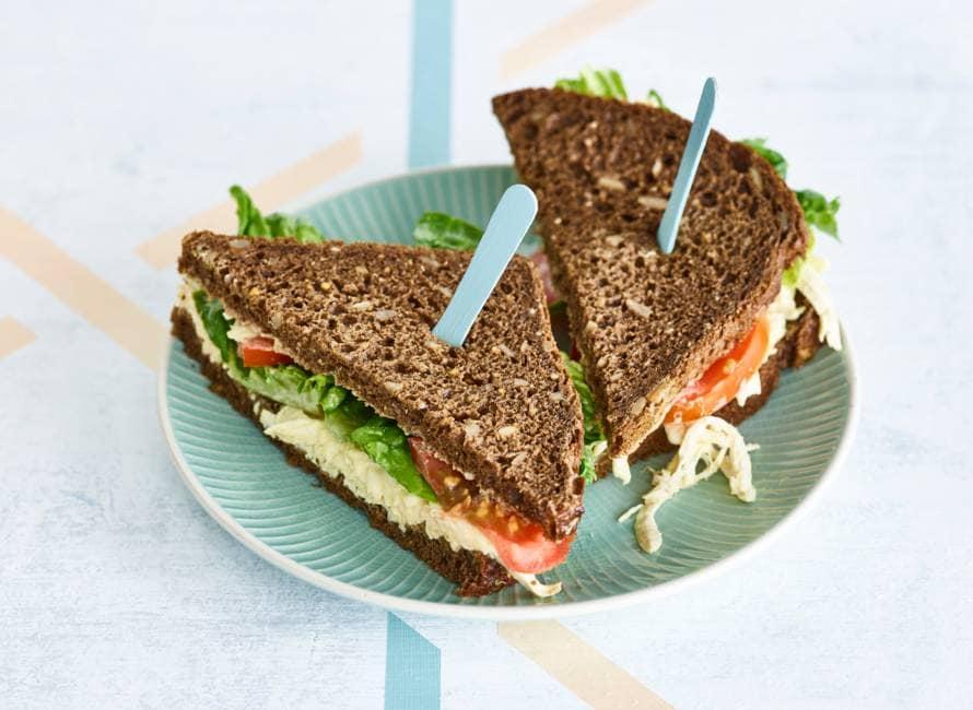 CLT-sandwich met pulled chicken