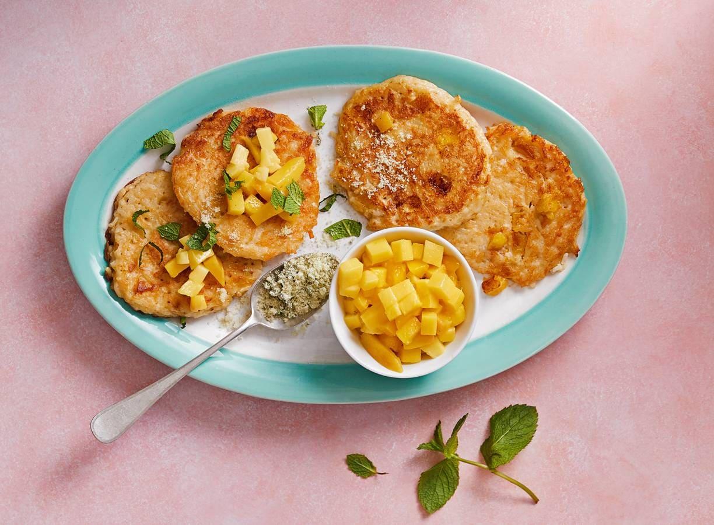 Rijstpannenkoekjes met mango en munt