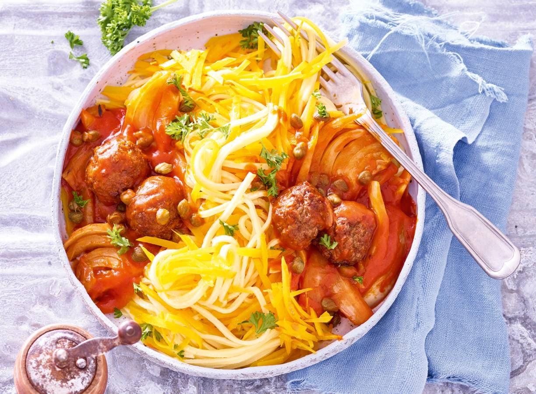 Pompoenspaghetti met venkel en vegaballetjes