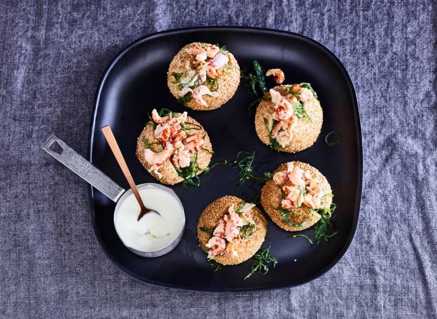 Minilobster-rolls met zeewiersalade