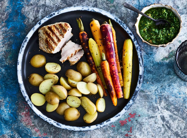 Varkensoester met wortels en salsa verde