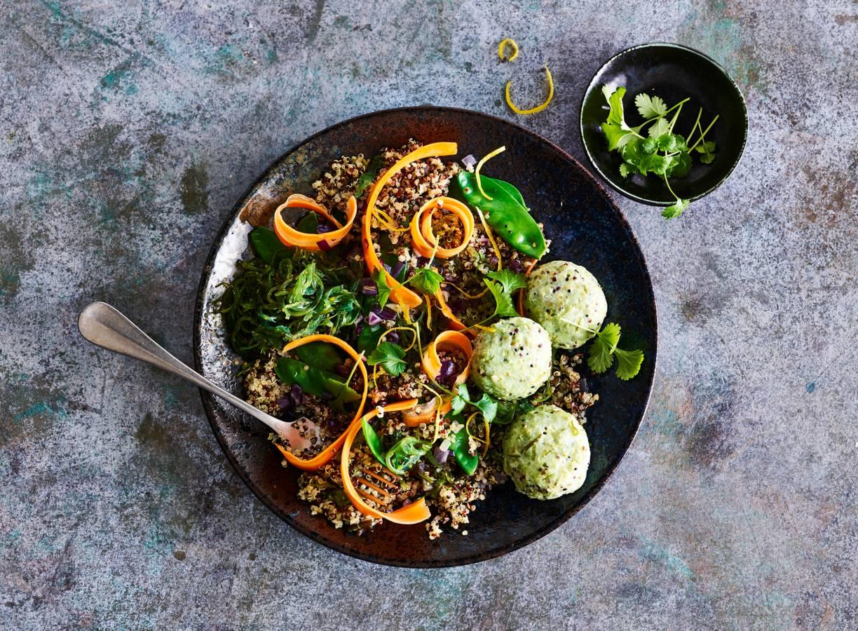 Zeewierviskoekjes met quinoa-groenteroerbak