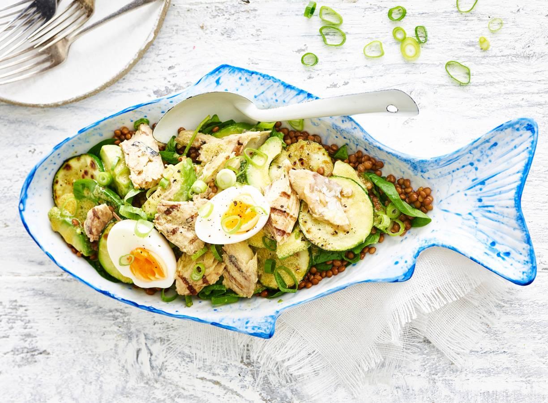 Linzen-makreelsalade met avocado en ei