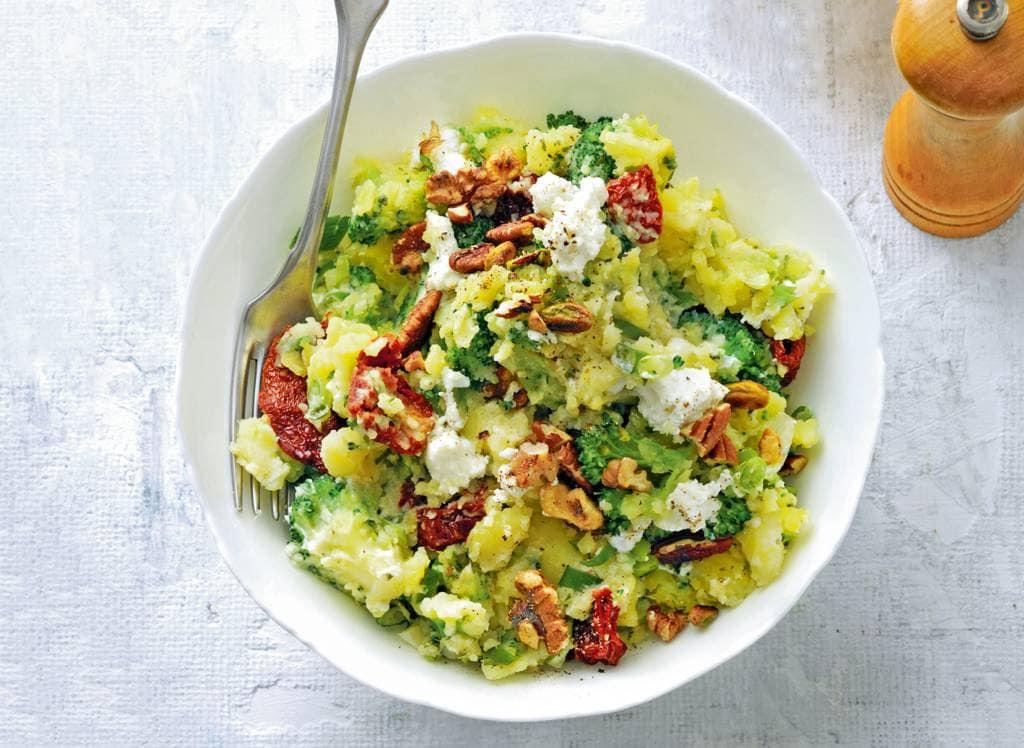 Broccolistamppot met noten en geitenkaas