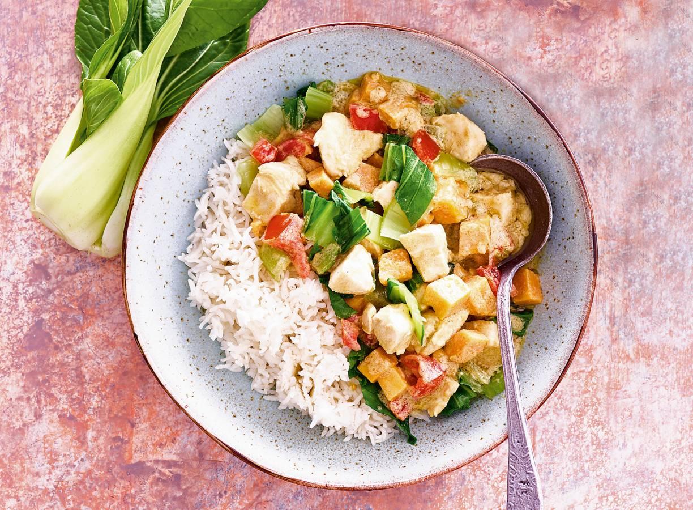 Pittige kipcurry met paksoi en zoete aardappel