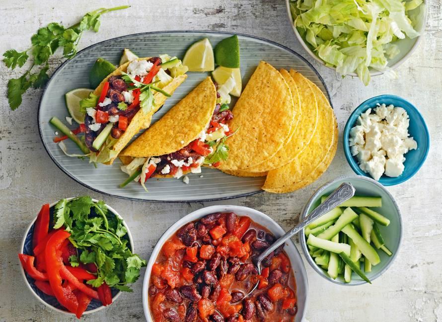 Knapperige taco's met tomaat-paprikavulling