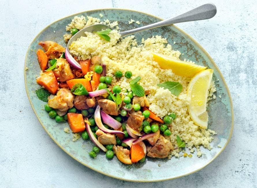 Kip-groentestoof met couscous en munt