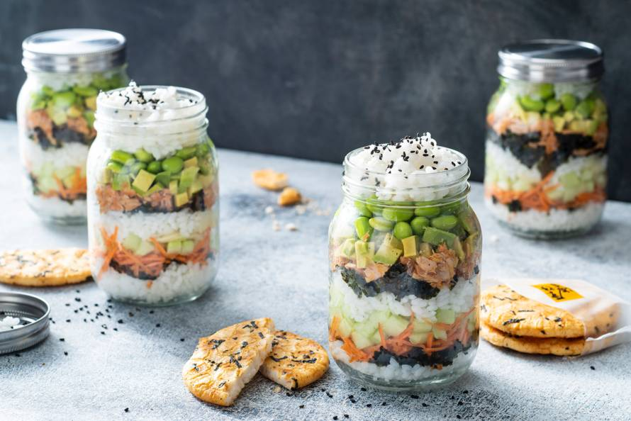 Spicy sushisalade in a jar