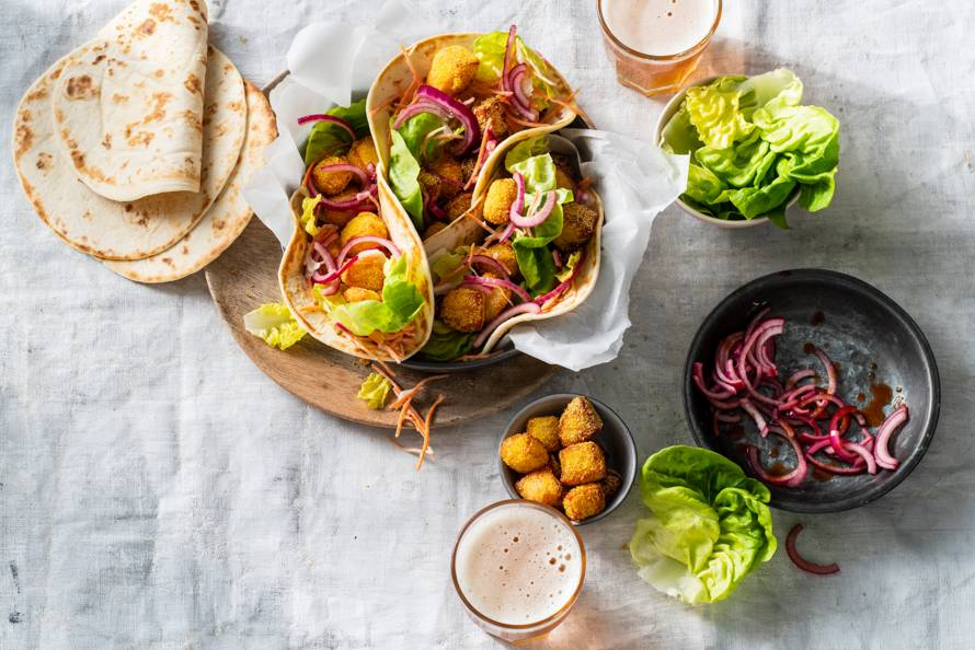 Taco's met crispy polenta-halloumi
