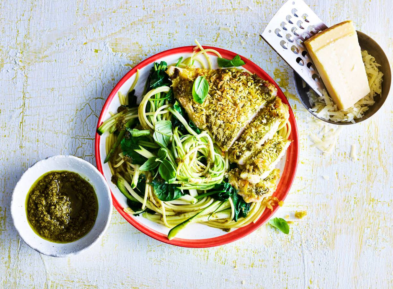 Pasta pesto met spinazie en krokante kip