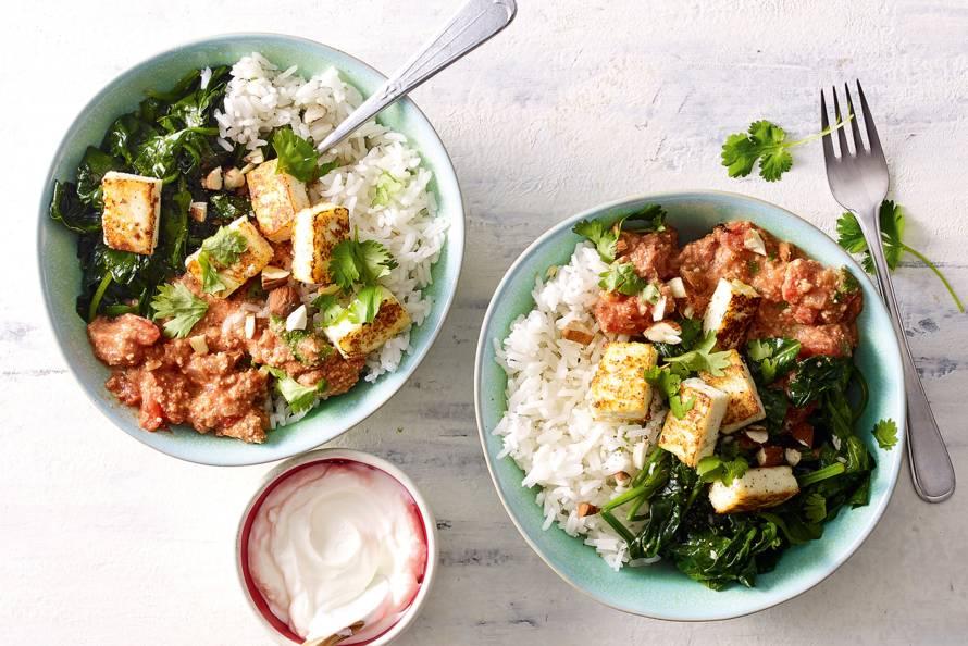 Vegetarische curry met paneer, spinazie & amandelen