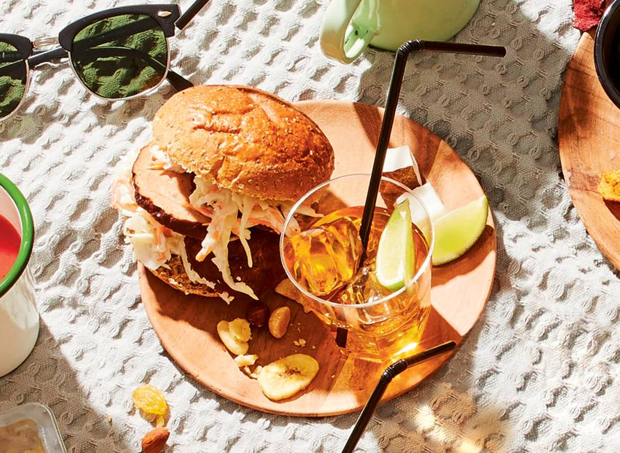 Broodje bal met coleslaw