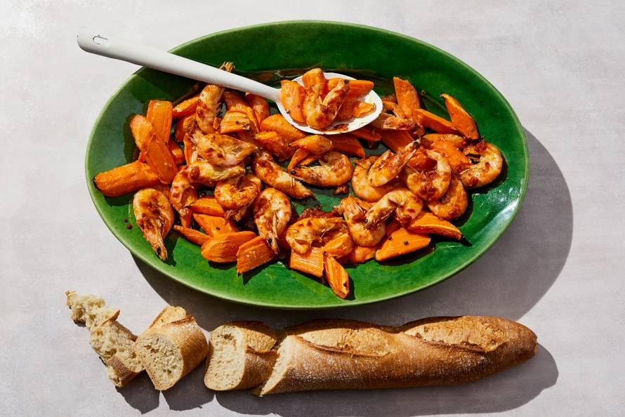 Gamba's al pil pil met geroosterde wortel