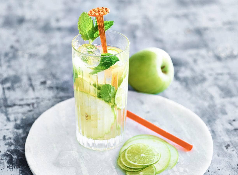 Groene appel-ijsthee