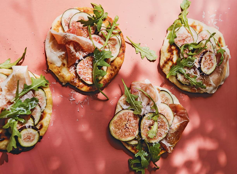 Platbrood met ham, ricotta & vijgen