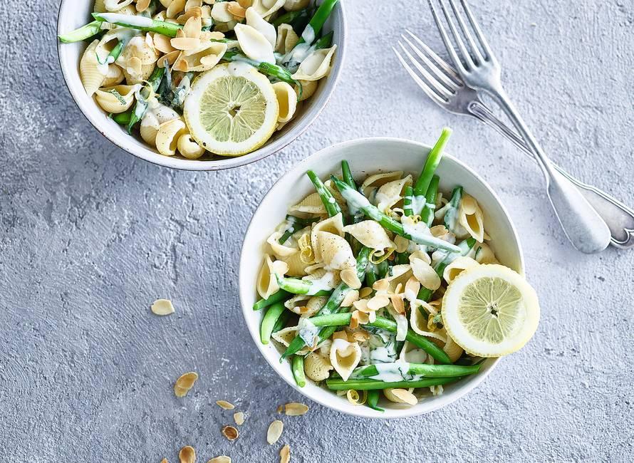 Romige pasta met taleggio, sperziebonen & citroen