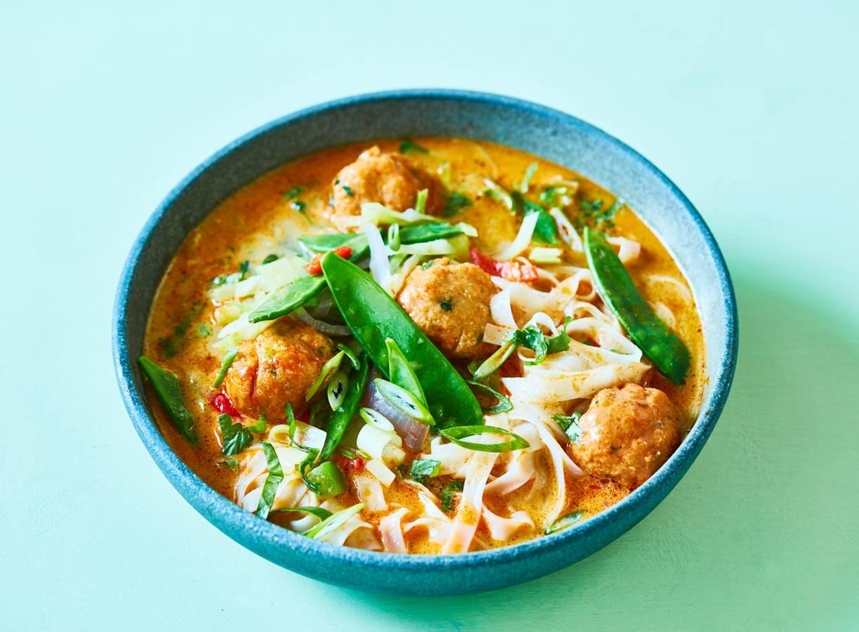 Currysoep met visballetjes