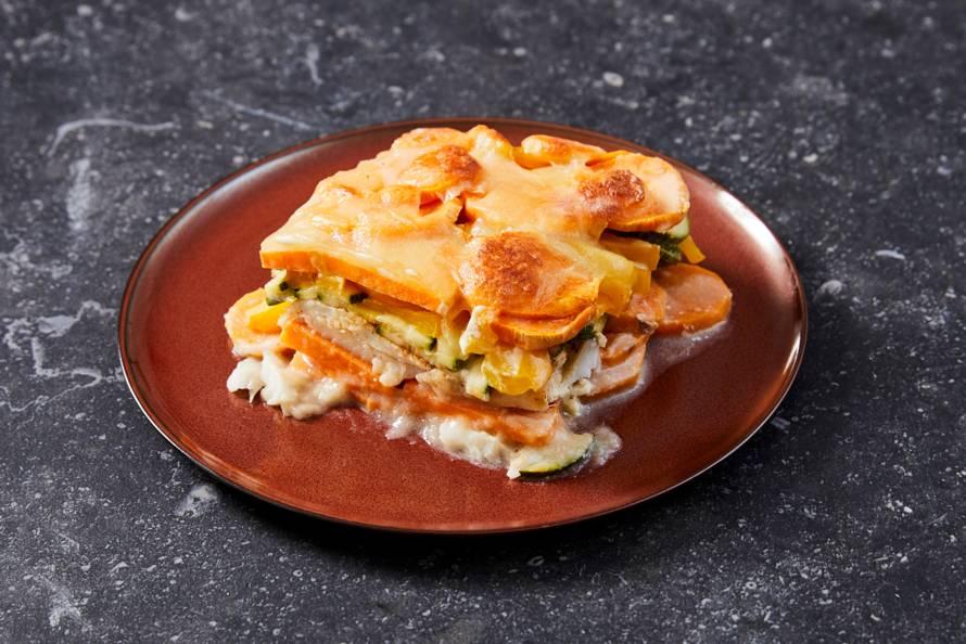 Zoete-aardappelschotel met kabeljauw