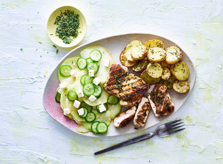 Malse kip met aardappeltjes & koolrabisalade