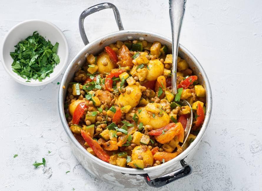 Marokkaanse linzenschotel met aardappel & abrikoos