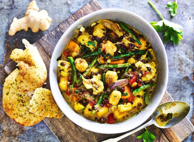 Indiase curry met naanbrood, pompoen & paneer