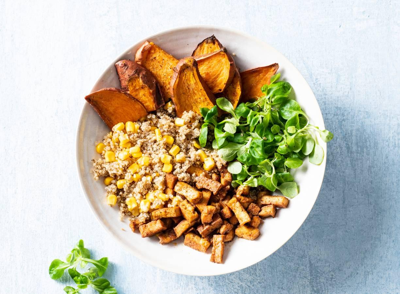 Vegan tofu bowl met quinoa