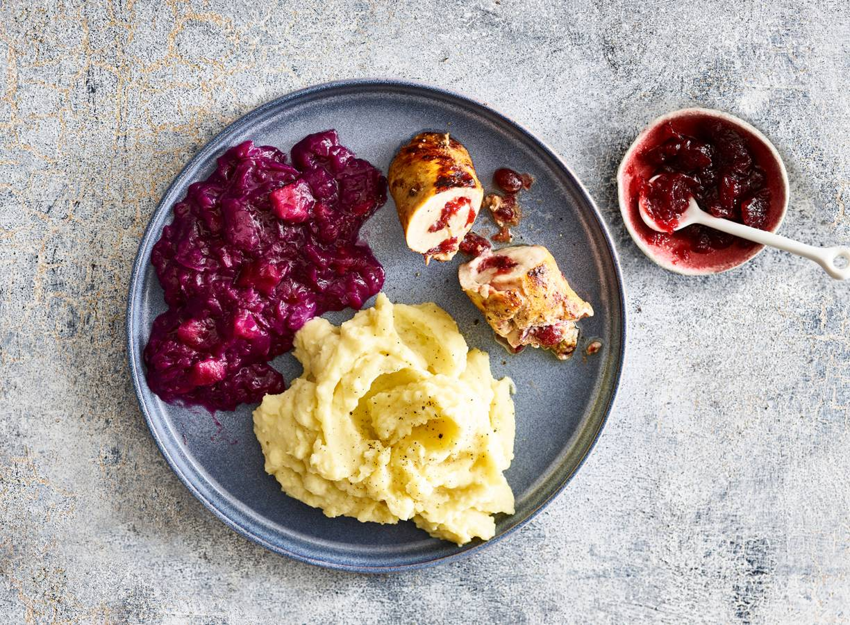 Kiprolletjes met cranberry-rodekool