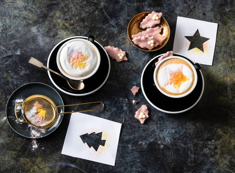 Cappuccino met kerstboom