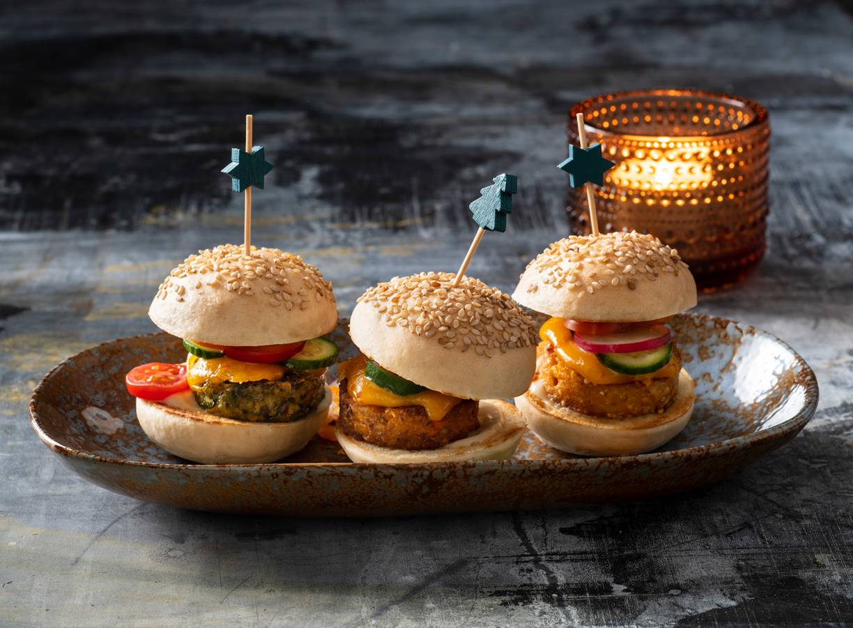 Miniregenboogburgers uit een gourmetpannetje