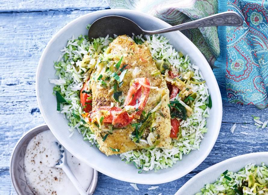 Indiaas gekruide vis en tomaatjes uit de oven